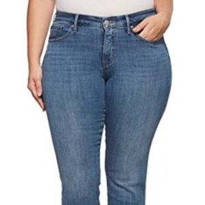 👖LEVI 314 Shaping Straight Jeans👖